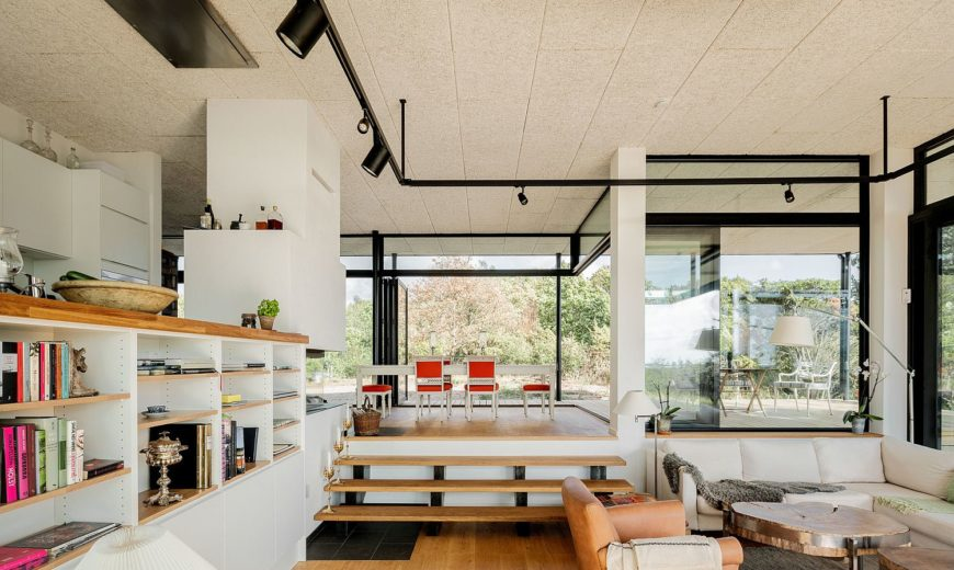 This Modern Home in Beautiful Resort Town is Inspired by Midcentury Design