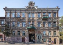 156-year-old-building-in-Lithuania-with-remodeled-Young-Family-Apartment-217x155