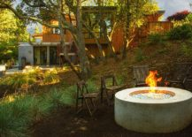 A-casual-approach-to-seating-around-the-fire-pit-217x155