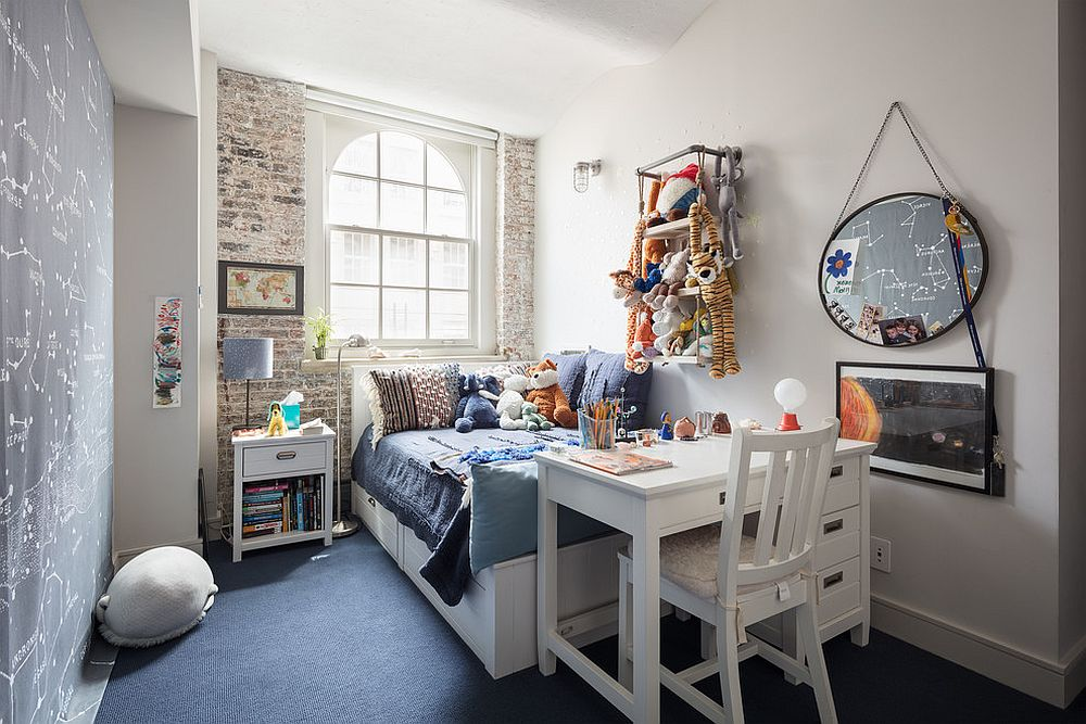 Absolutely gorgeous kids' room with industrial chic style and a space-savvy study