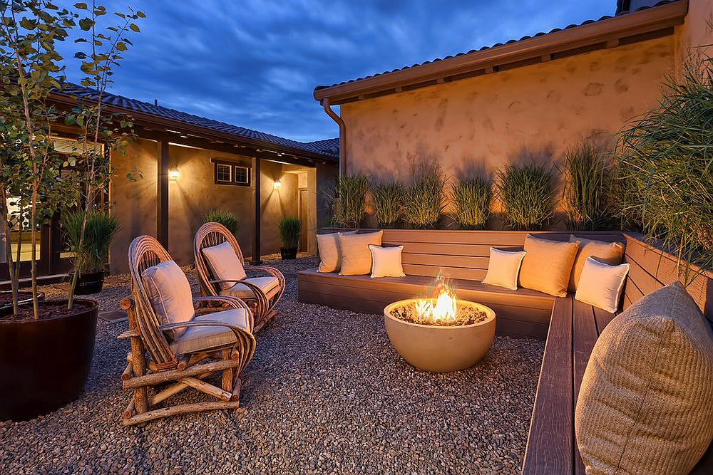 Blend of different seating options makes the outdoor hangout even more fun