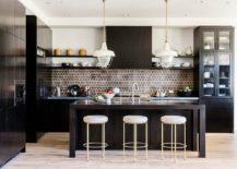 Color-of-the-backsplash-complements-that-of-the-kitchen-cabinets-beautifully-217x155