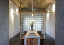 Frosted-glass-partition-between-the-public-areas-of-the-lodge-and-the-bedroom-217x155