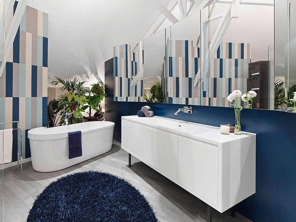 Fun-way-to-add-dark-blue-to-the-contemporary-bathroom-in-white