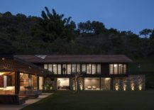 Gorgeous-lighting-and-lovely-natural-landscape-add-to-the-beauty-of-the-AS-House-217x155