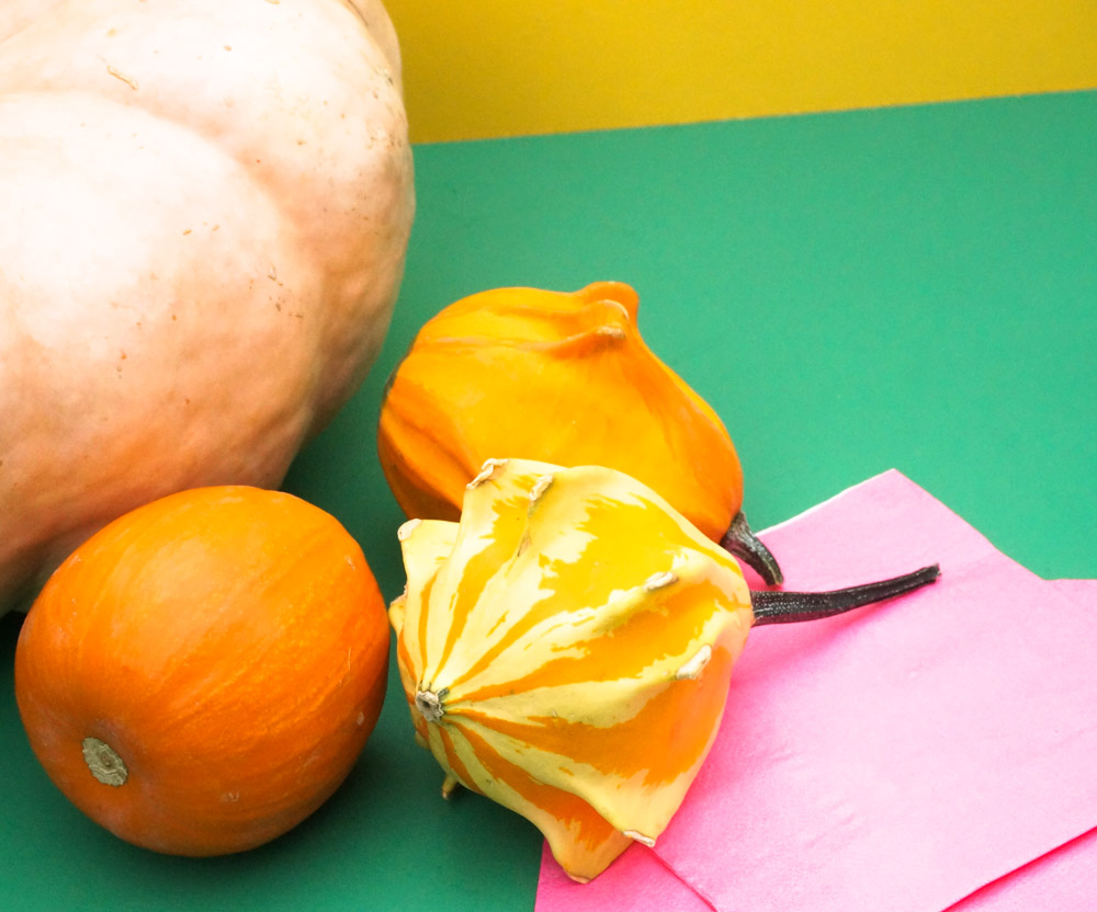 Gourds-and-pumpkins-make-the-perfect-fall-centerpiece