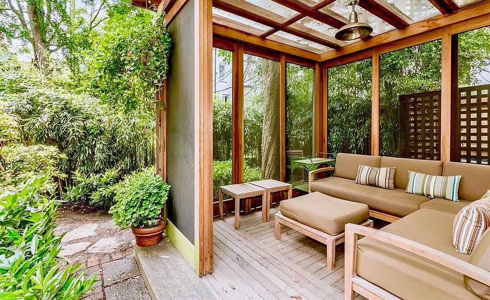 Greenery-all-around-the-deck-turns-it-into-a-stunning-hangout-full-of-serenity