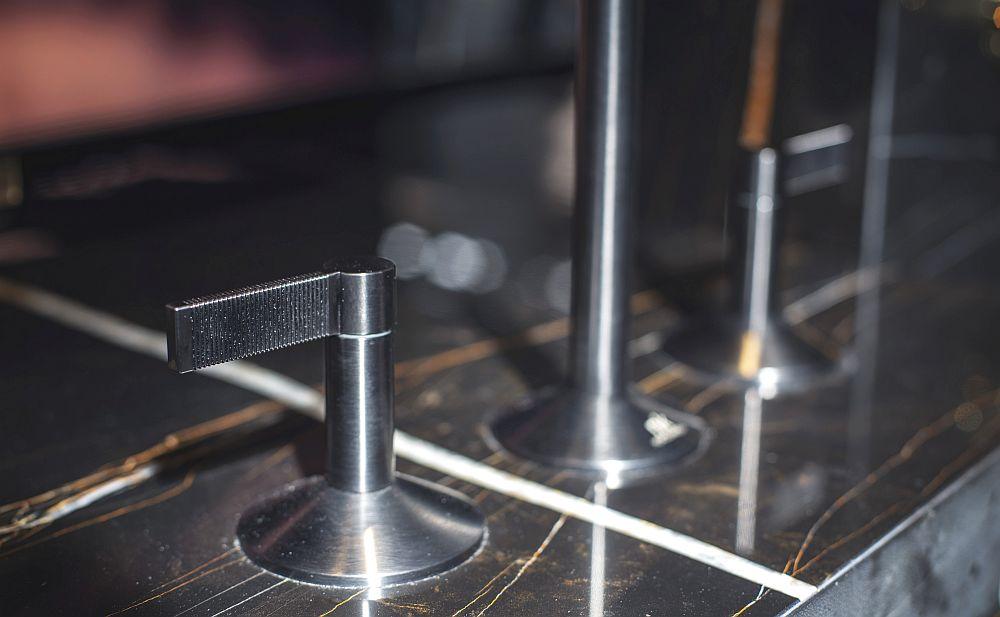 LIGNAGE faucet titanium with textured lever