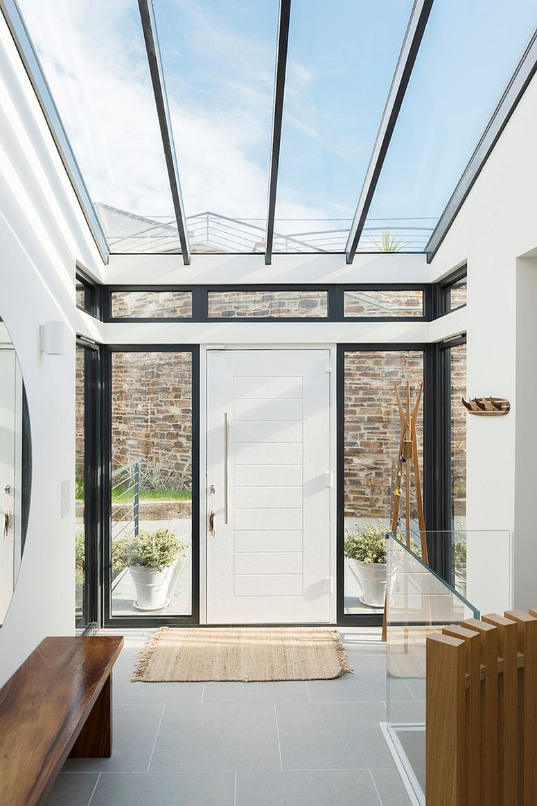 Large-skylight-connects-the-entry-with-the-world-outside