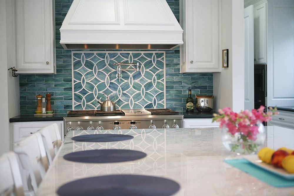Let-the-backsplash-become-the-showstopper-of-your-kitchen