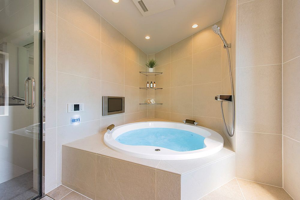 Luxury-coupled-with-beige-in-the-bathroom