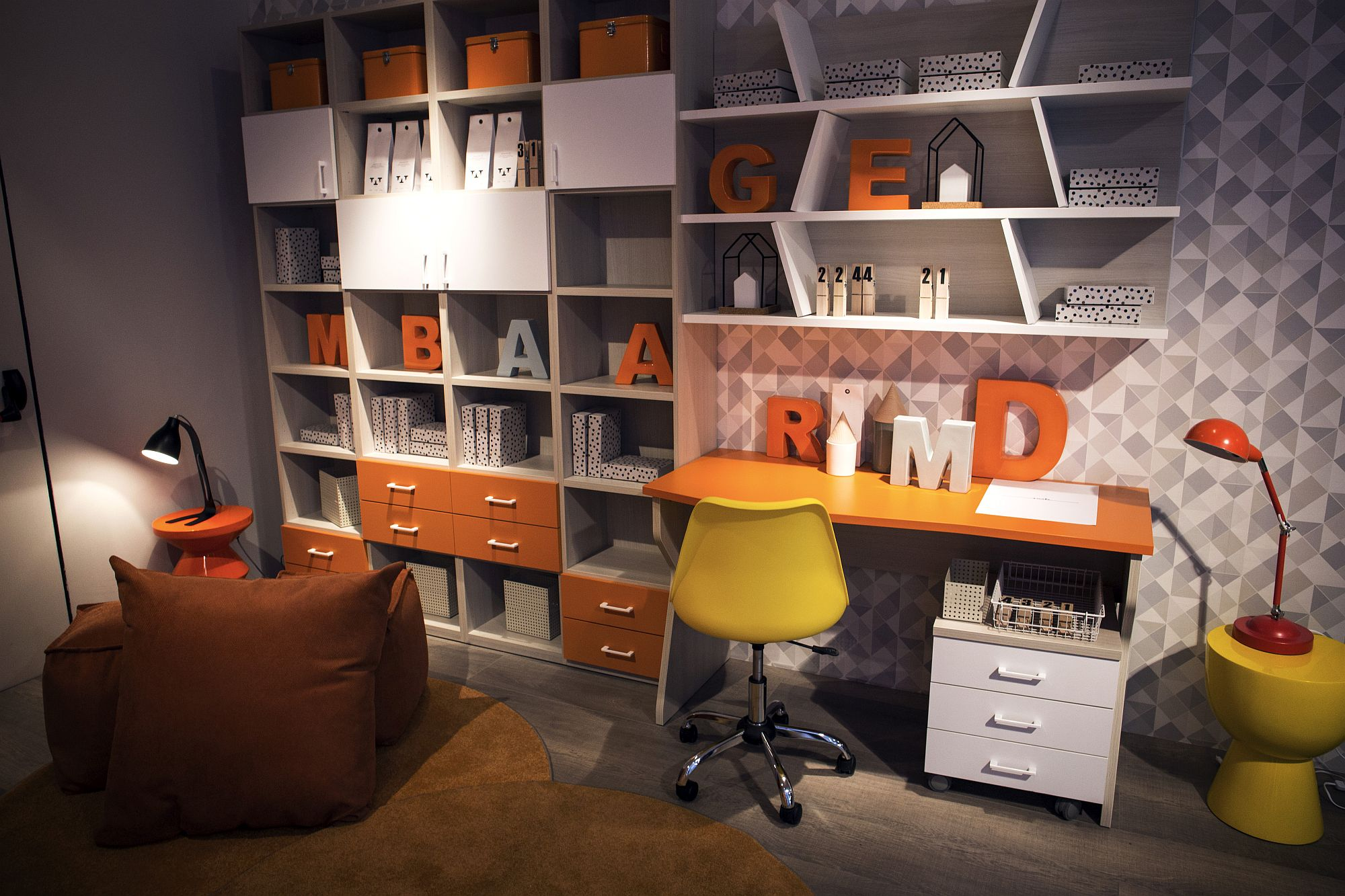 Modular shelving along with smart desk for the trendy kids' room