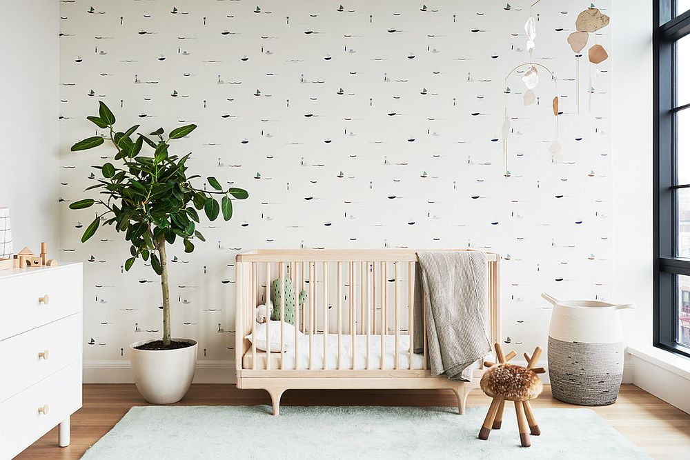 Neutral-backdrop-highlights-the-indoor-plant-beautifully