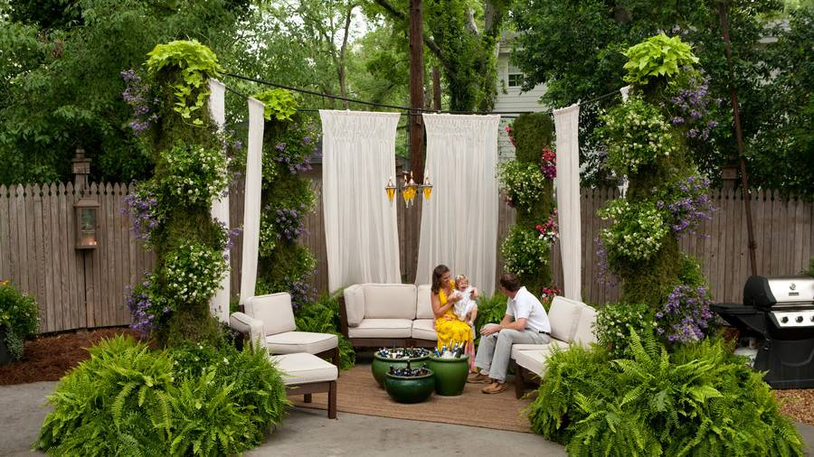 Outdoor-draperies-add-a-retreat-feel-to-the-space