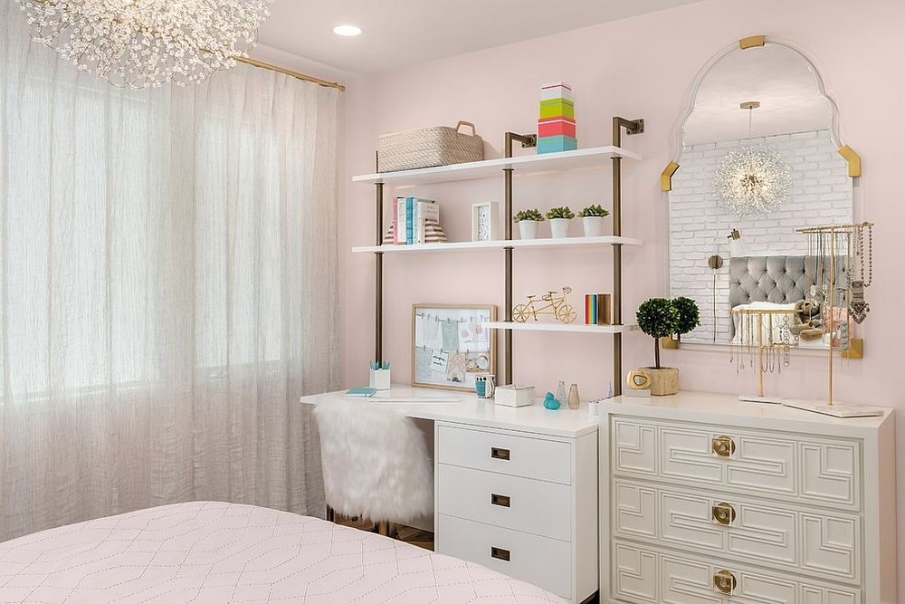 Pink with a dash of chic never fails to work its magic in the girls' room