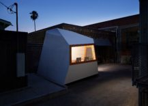 Small-modular-structure-on-wheels-can-be-moved-anywhere-with-ease-217x155