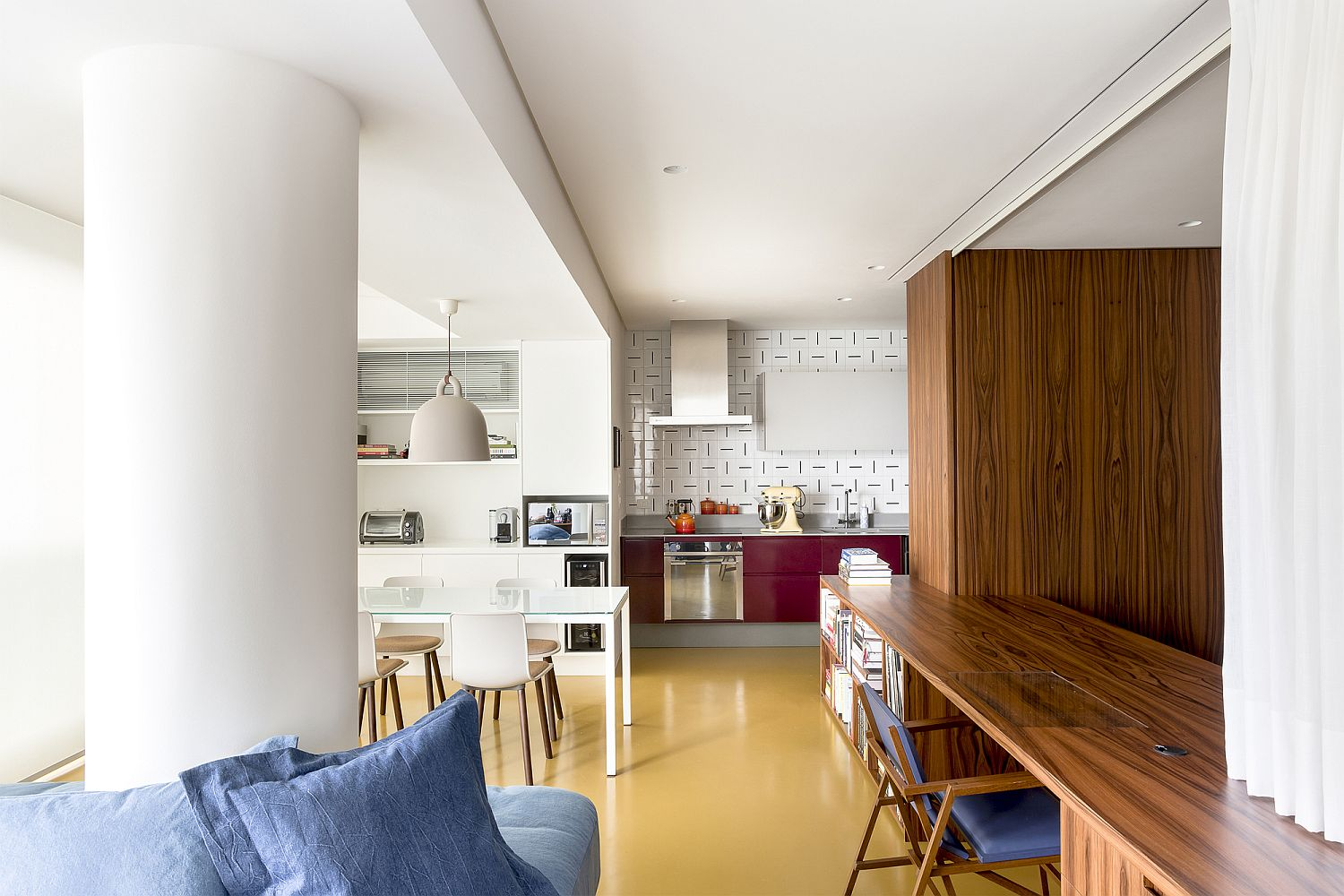 Space-savvy and innovative apartment in Sao Paulo