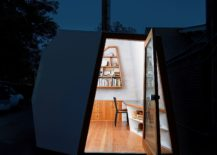 Space-savvy-and-stylish-design-of-the-tiny-Lighthouse-217x155