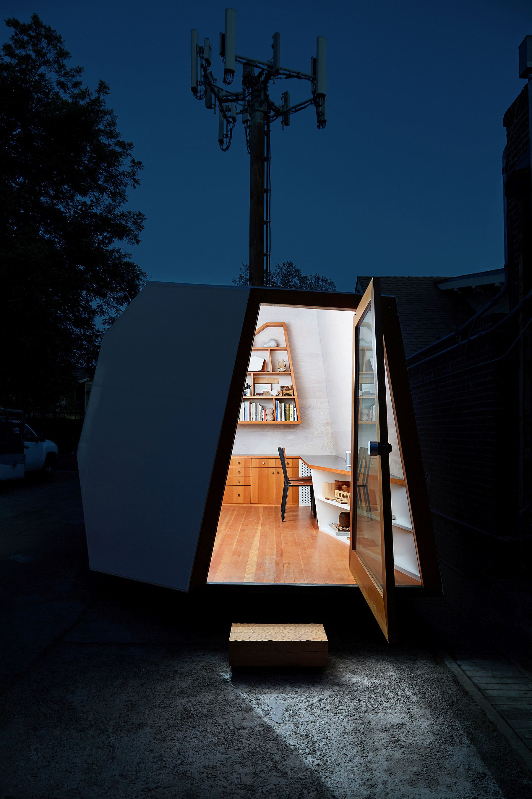 Space-savvy and stylish design of the tiny Lighthouse