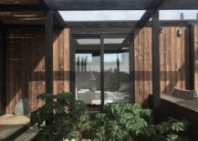 Structural-beams-and-courtyard-around-the-BL-1-House-217x155