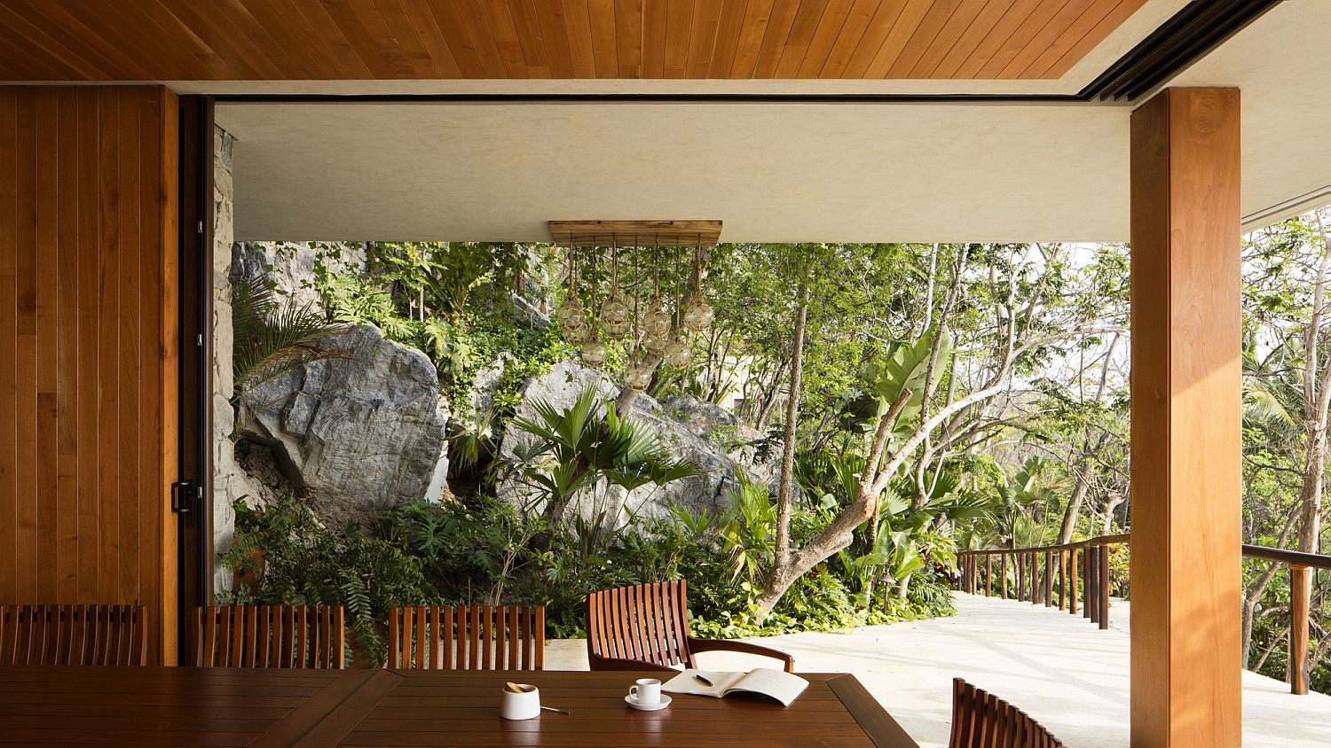 Sweeping living area combines with the outdoors effortlessly