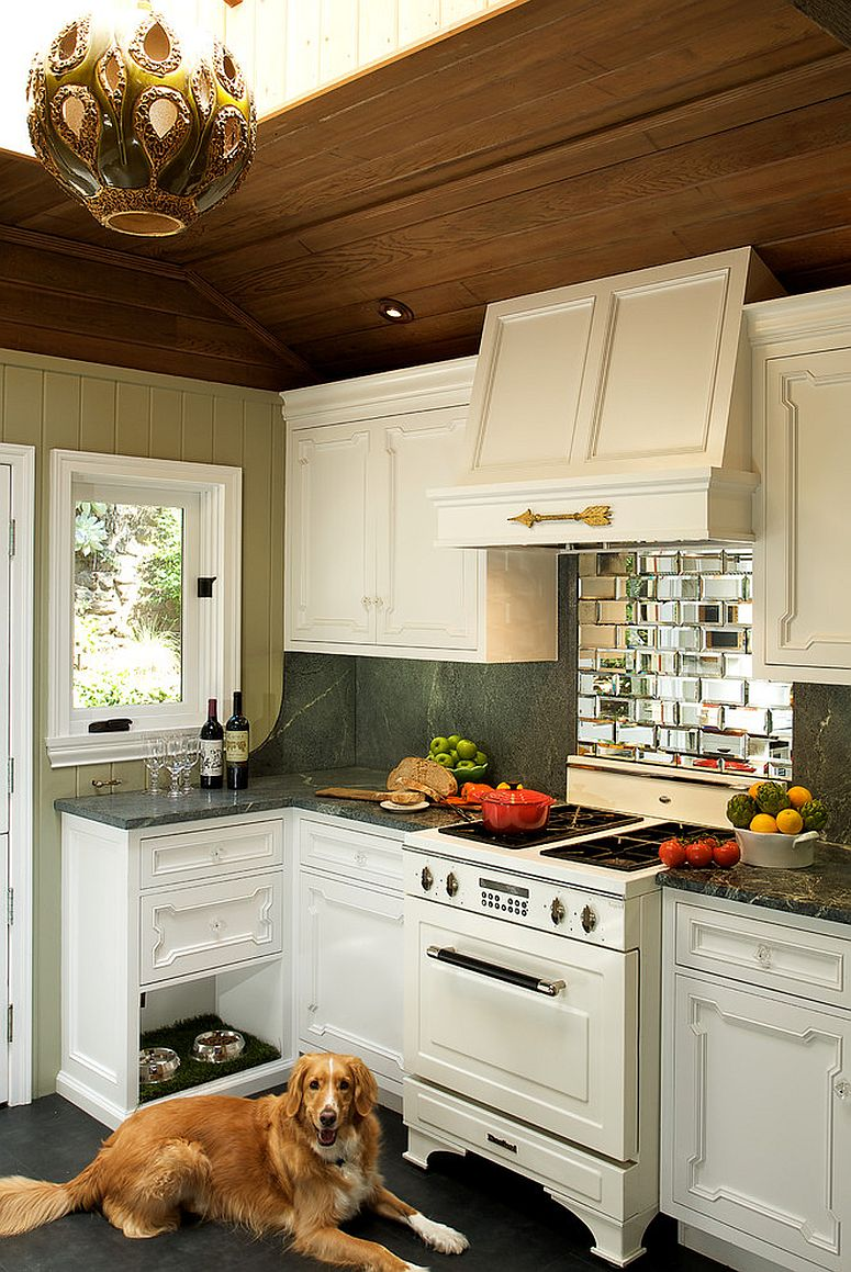 Tiles-add-reflective-beauty-to-the-eclectic-kitchen-backsplash