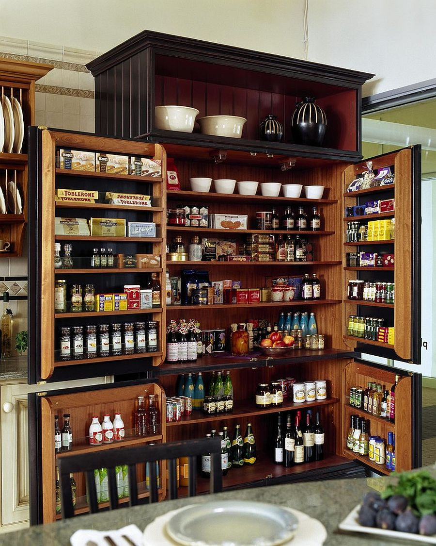 Utilizing the additional storage space of doors to make most of the pantry