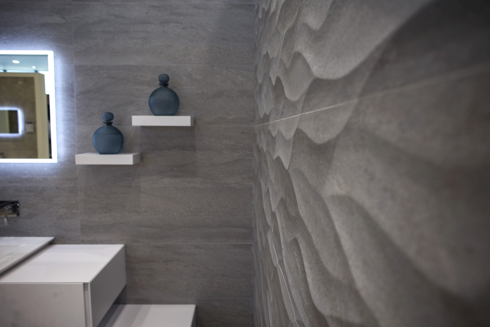 3D wave ceramic tiles by Porcelanosa