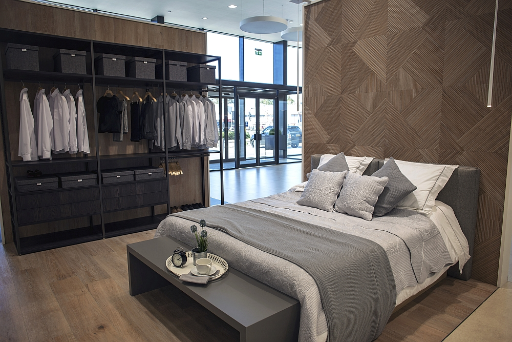 Ceramic tiles for your wardrobe and bedroom design