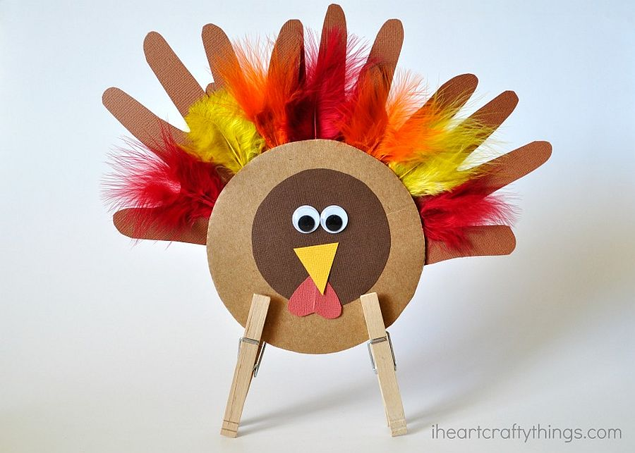 Colorful Thanksgiving kids' turkey craft