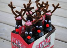DIY-beer-bottle-reindeers-are-bound-to-be-a-hit-in-the-Christmas-party-217x155