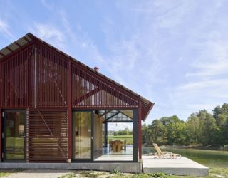 Red, Wood, Glass and Gorgeous View: Exquisite Cabin Sandefjord