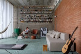 Red Brick, Concrete and a World of Mugs: Eclectic Brazilian Home Wows!