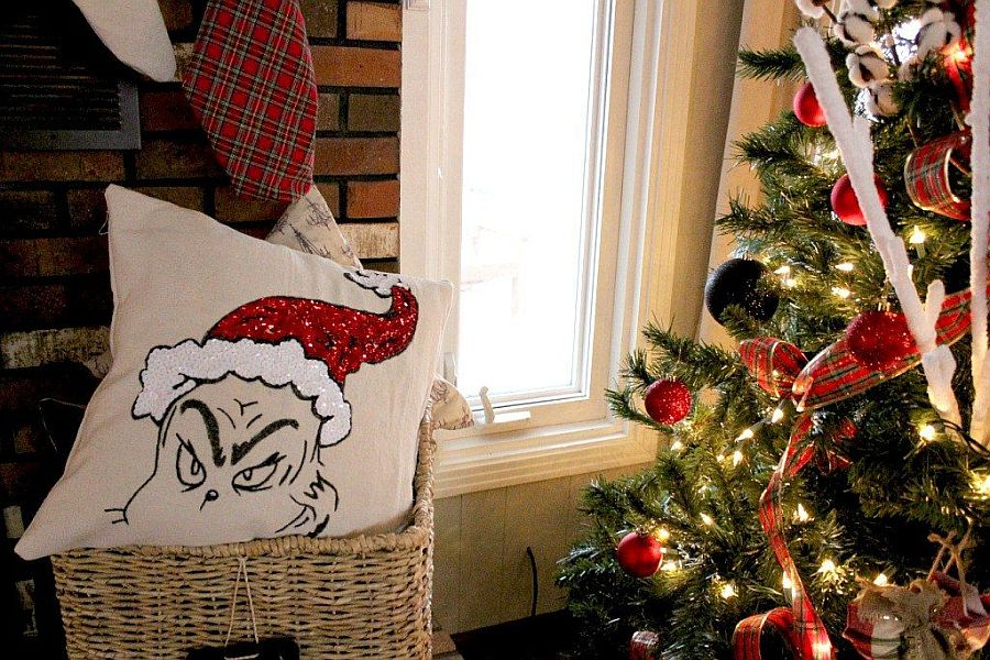 Make your own Grinch Pillow this holiday season