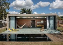 Modern-Mugs-House-in-Brick-and-Concrete-in-Brazil-217x155