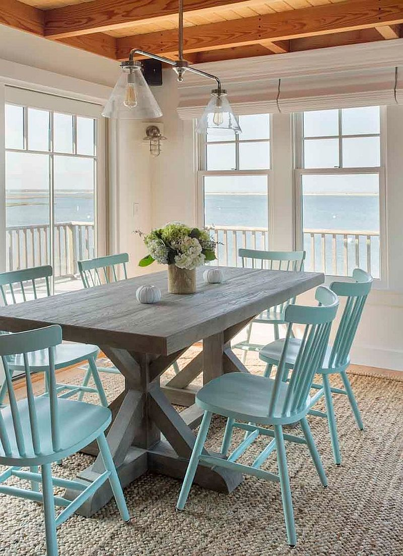 Perfect beach style dining room keeps things simple