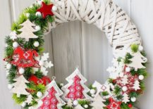 Perfect-wreath-to-welcome-the-festive-season-with-ample-cheer-217x155