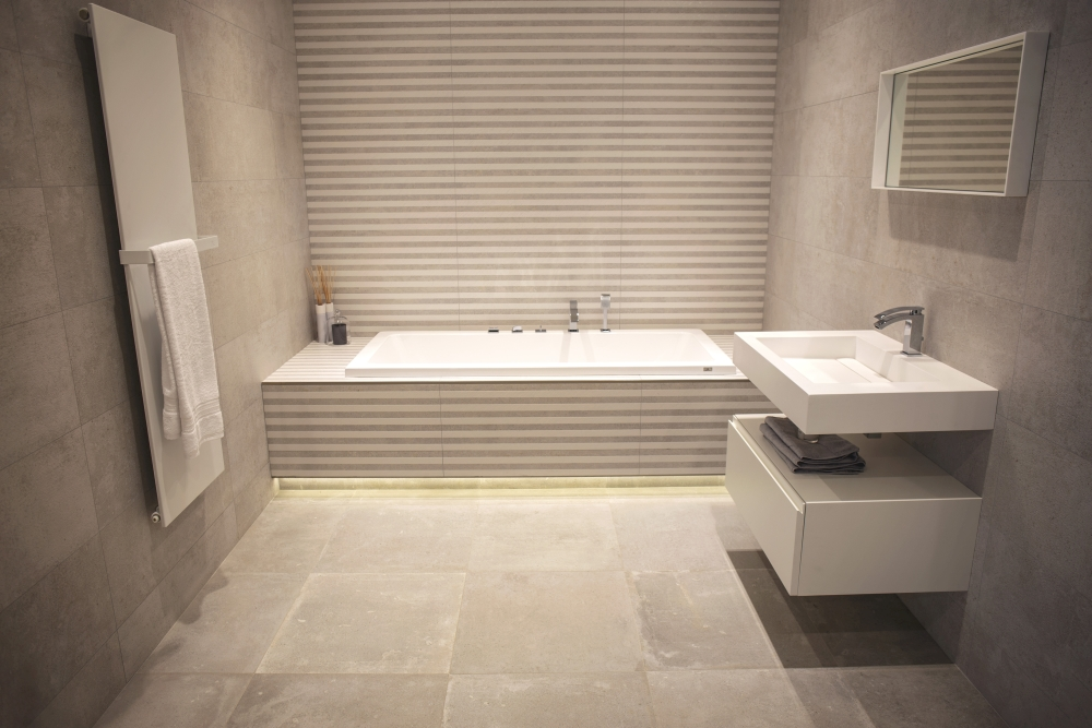 Striped wall tiles – Porcelanosa bathroom