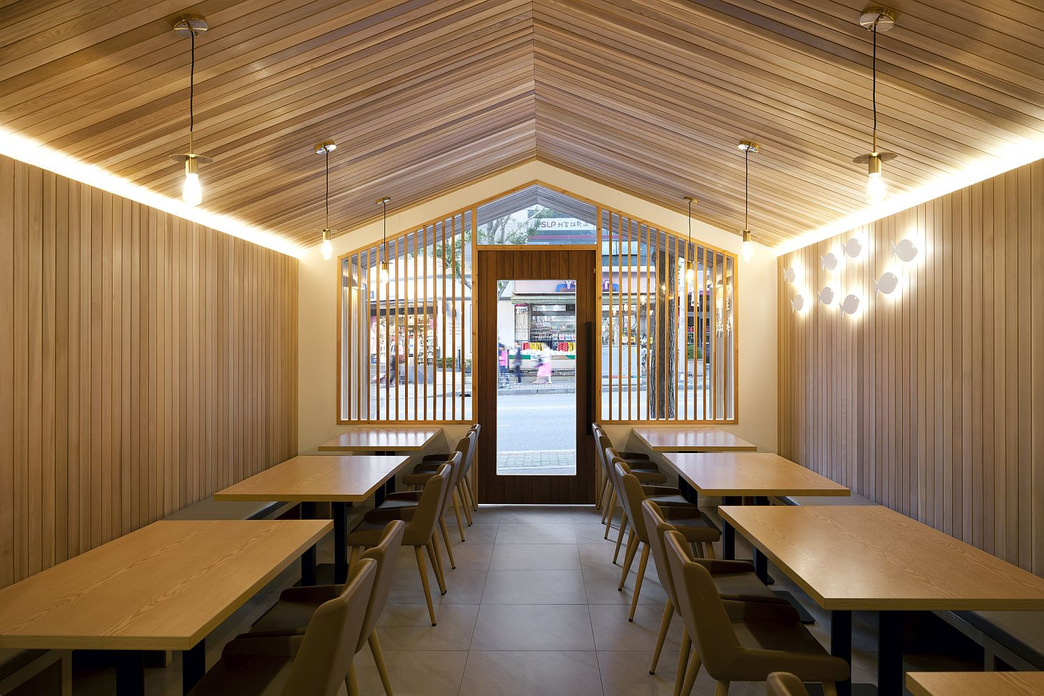 Urban Cabin Small Space Conscious Restaurant With Cozy Modern Ambiance