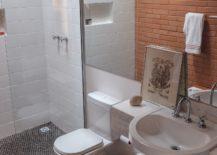 White-and-brick-bathroom-of-the-Brazilian-home-217x155