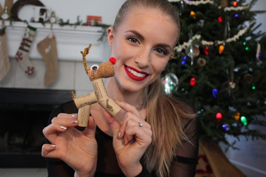 Wine Cork DIY Reindeer craft idea