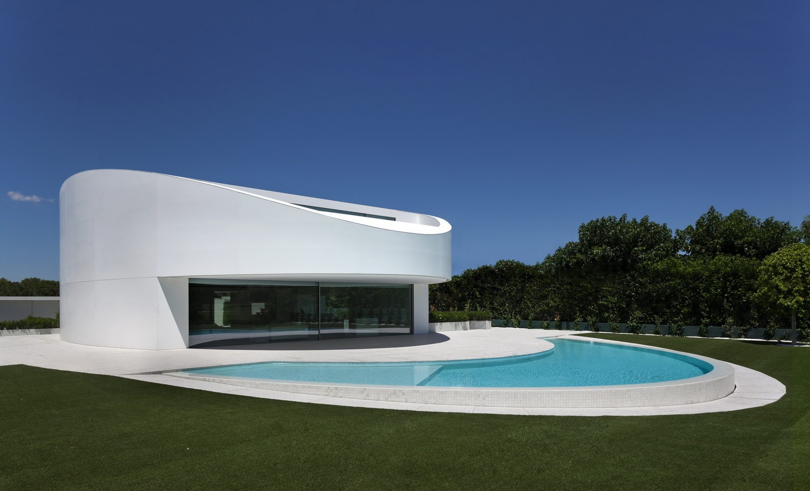 14. Balint House