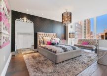 Accent-wall-in-black-also-adds-pattern-to-this-fabulous-bedroom-217x155