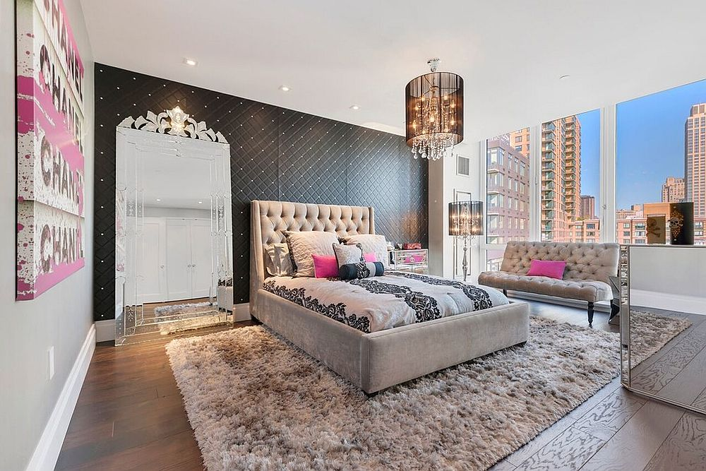 Accent-wall-in-black-also-adds-pattern-to-this-fabulous-bedroom