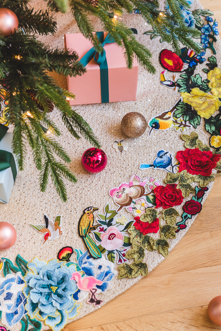 Applique Tree Skirt from The House That Lars Built