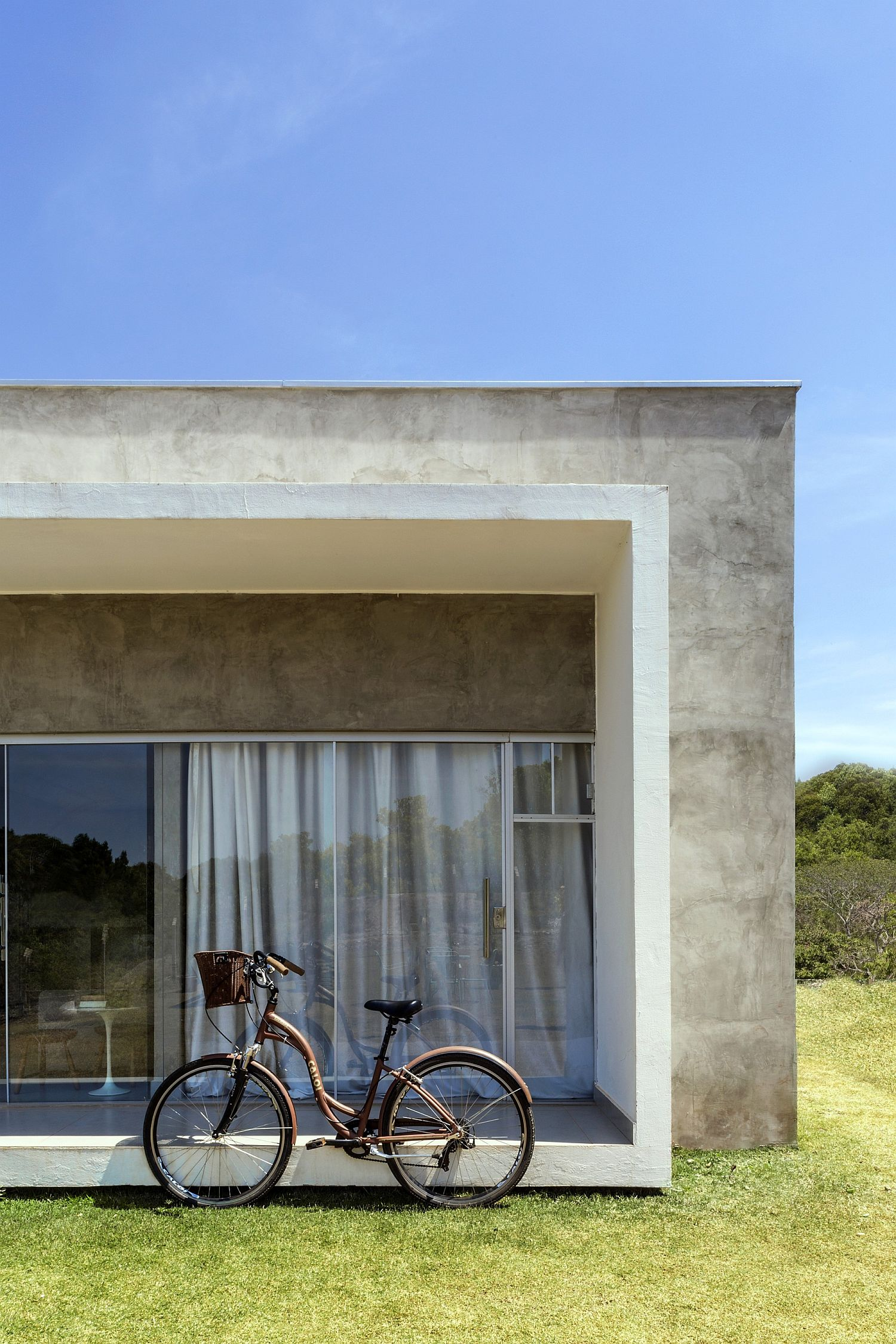 Block-within-a-block-design-style-of-the-house-gives-it-a-unique-appeal