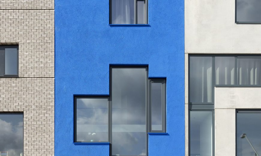 Eccentric and Bold: Blue House for Those Who Dare to Dream Different!