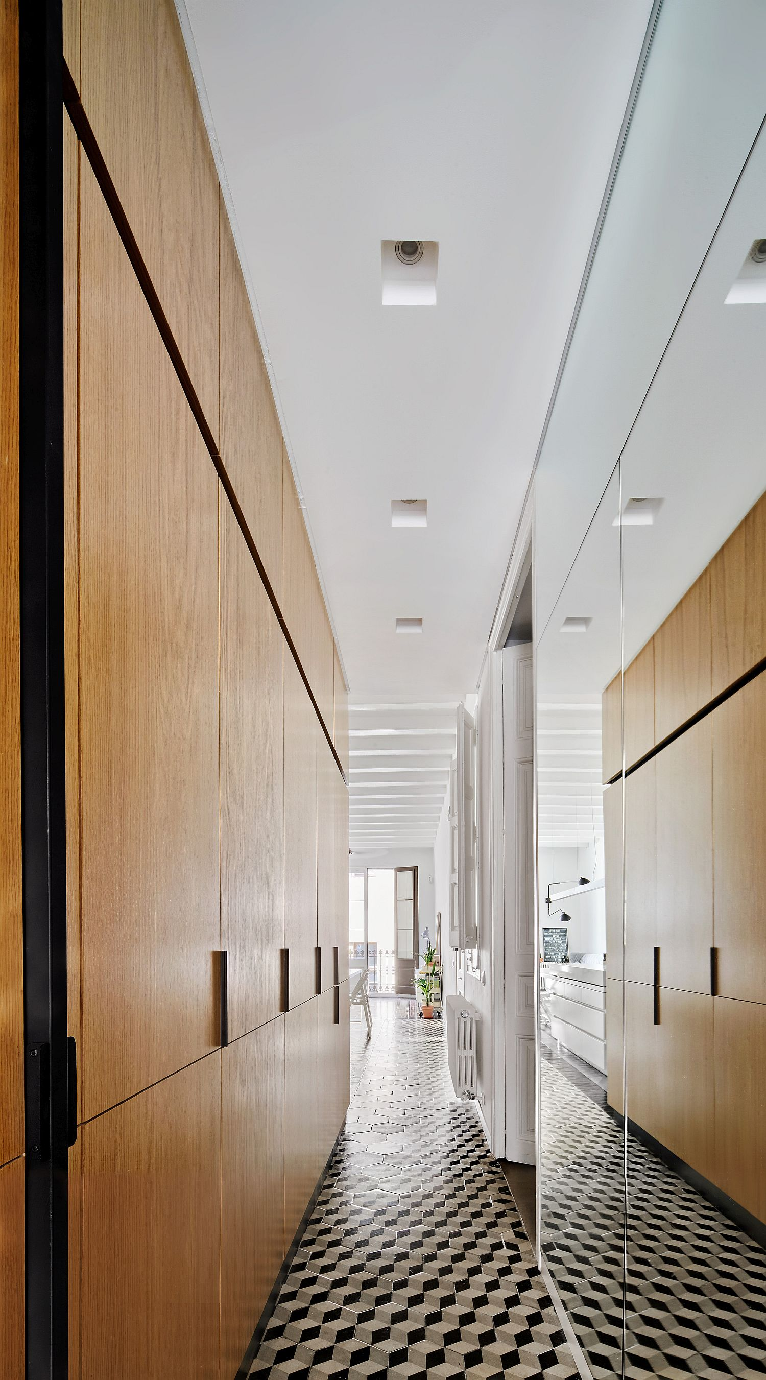 Corridors with tiles and storage options inside the apartment