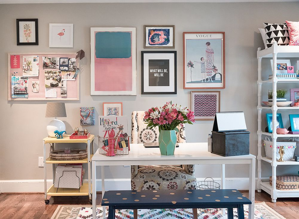 Fabulous-gallery-wall-for-the-light-gray-home-office