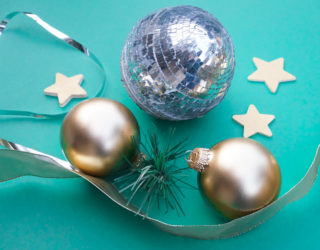 2 Easy Ways to Dress Up Holiday Greenery